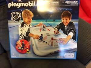 Playmobil NHL arena with Montreal player & Goalie