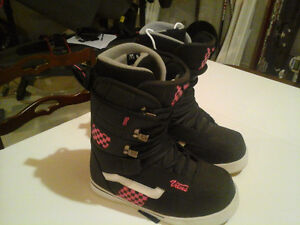 Brand new Vans snowboard boots 7.5.Black and Pink.$90