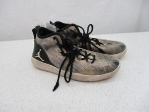 Jordan athletic shoes for teens size 5