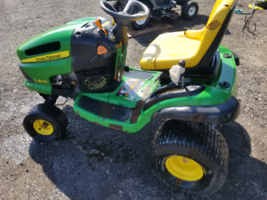 2003 John Deere LA 145 Riding Lawn Tractor with 48 inch Deck