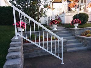 Rampe d'escalier en aluminium.
