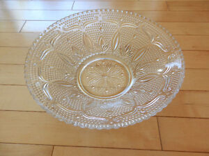 Vintage glass bowl 10 ½ inches