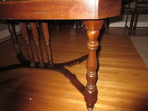 Antique table, 6 chairs and corner hutch Kitchener / Waterloo Kitchener Area image 3