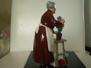 """Royal Doulton Figurine - """" Flora """" HN2349 Kitchener / Waterloo Kitchener Area image 3"""