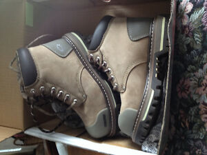 Women's Dakota Steel Toe Boots