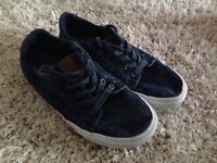 Vans trainers plimsolls shoes size 7 adult