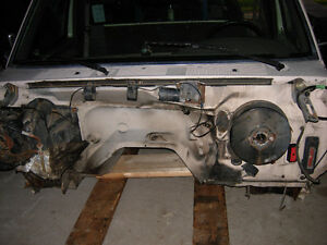 Cab from 1992 F250 - fits 87 to 97 F150 F250 F350 F450 Cambridge Kitchener Area image 1