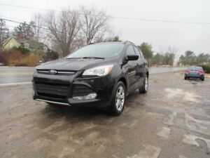 2015 Ford Escape SE PANO ROOF! LEATHER! NAVIGATION! HEATED SEATS