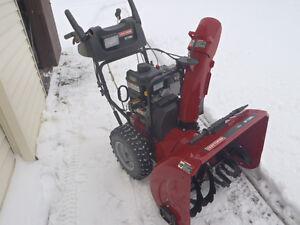 """Souffleuse à neige  Craftsman 2013  27""""/250cc"""