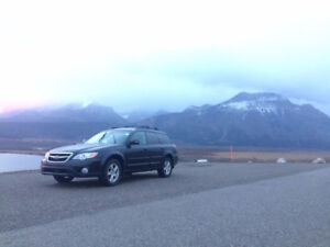 Perfect for Winter! Low KM 2009 Subaru Outback 2.5i