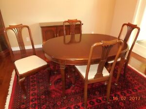"Dining Table/4 chairs/buffet includes 20"" leaf"