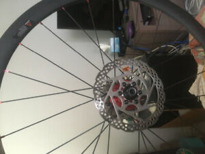 700 c 12 mm thru axle rear wheel