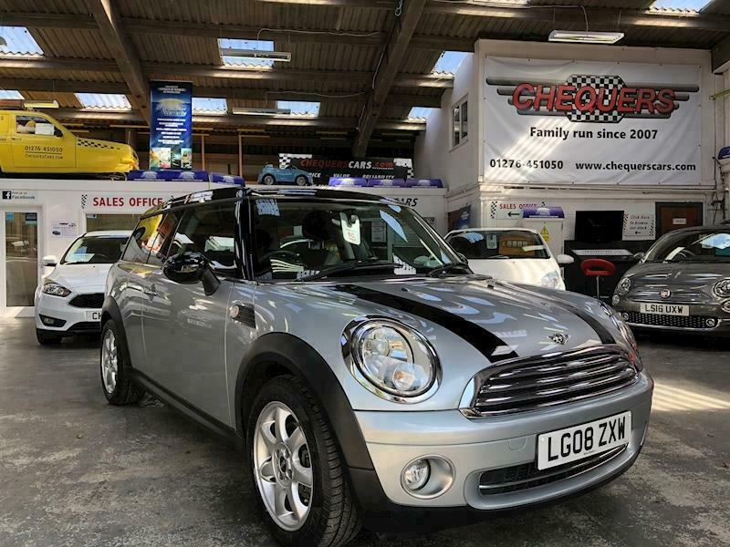 Mini Mini Cooper Clubman Estate 16 Automatic Petrol In Lightwater