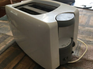 Toaster and electric knife $10