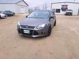 2013 ford focus Sport low kms!