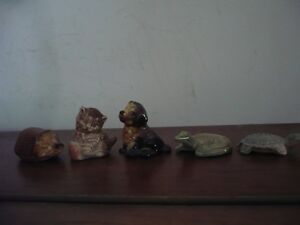 5 VINTAGE WADE ENGLAND MINATURE FIGURINES
