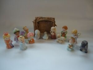 Avon Heavenly Blessings Vintage Nativity scene 14pc set EUC SFPF