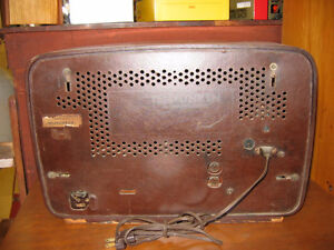 Vintage Telefunken Gavotte Radio no. 5353W 1962- working Kingston Kingston Area image 3