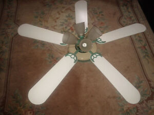 Beautiful Fan With Four Lights! White Reversing to Light Oak!!!