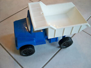 TOY STAKE TRUCK-CIRCA 1980-AMLOID CORP