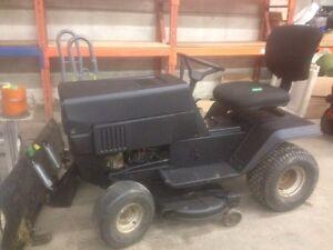 """REDUCED "" lawn tractor/ snow plow  Edmonton Edmonton Area image 1"