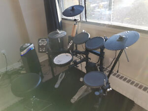 Roland TD-11 Electronic Drum Set with Warranty Perfect Condition