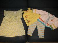 Lot de 2 beaux ensembles taille 12 mois pour fille