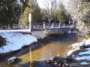 *REDUCED* RIVERFRONT 4-SEASON COTTAGE/HOME!