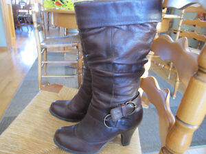 Aldo Dark Brown Leather ladies boots, worn once. As new Size 6.5