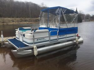 ***SALE PENDING***. 18' SWEETWATER PONTOON WITH ENCLOSURE