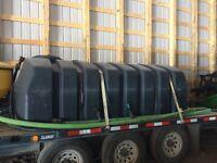 1600 gallon low profile poly tank