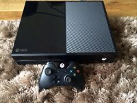XBOX ONE 500GB IN EXCELLENT CONDITION FULLY WORKING + 11 GAMES ( Can Deliver )