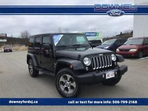 2017 Jeep Wrangler Unlimited SaharaLOW KMS HARD TOP PWR WINDOWS