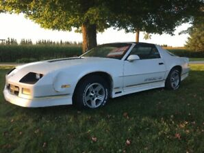 1989 Camaro IROC-z –   134,000 km - Fix and Live the Dream