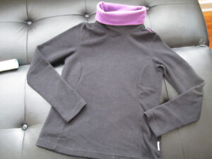 Quechua Fleece Top Size Adult S or Youth 14-16