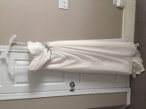 A line wedding gown, barely worn
