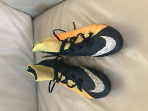 71cecf425 Soccer Shoes | Buy or Sell Soccer Equipment in Ontario | Kijiji ...