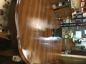 Table cabinet chairs
