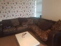 Double room to rent in 2 bedroom flat
