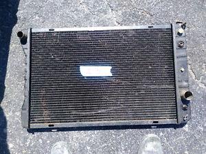 radiateur gm 30 pouce x 18 et 1/2 de haut