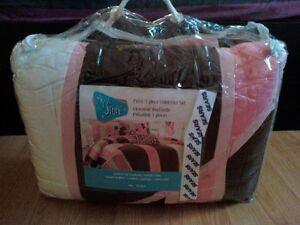 Brand New My Stuff Pulse 3pc Comforter Set For Girl Twin Size