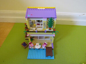Lego Friends - Stephanie's Beach House Oakville / Halton Region Toronto (GTA) image 1