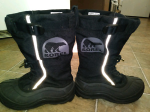 SOREL winter boots Adult size 5 Worn once $50 takes