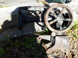 Antique Cast Iron Singer Sewing Machine