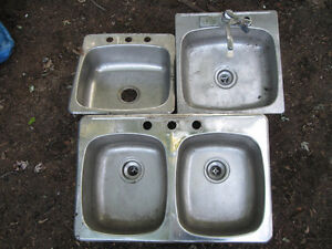 3 Kitchen sinks