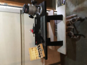 Craftsman Router, table and bits