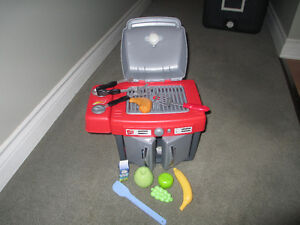 Step 2 BBQ with utensils and play food