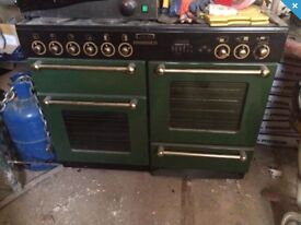 LEISURE Rangemaster 110 electric hob and oven.
