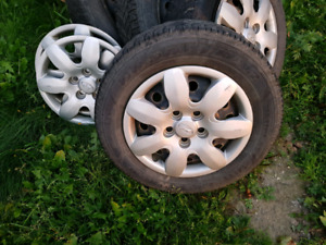 Voloceter and elantra winter rims with hubcaps