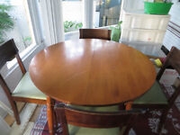 40 inch round hardwood table/4 chairs